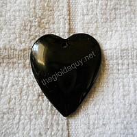 Trái tim thạch anh đen