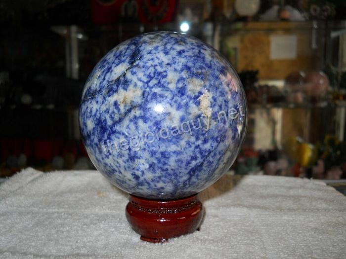 Quả cầu đá lapis lazuli