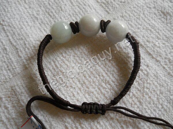 Vòng tay cẩm thạch trắng dây gút