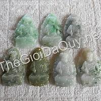Phật bản mệnh Bất Động Minh Vương đá cẩm thạch xanh lý tươi