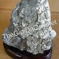 Đá vàng găm 2kg75